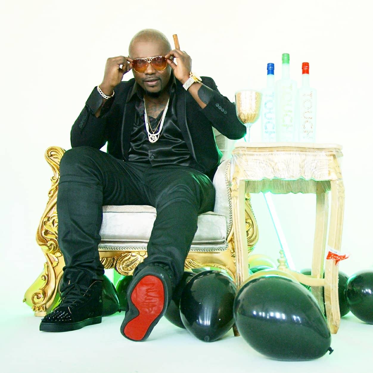 "Already rocking the underground Hip-Hop circuit , 'Big Hookz' releases new album ""Visionary"""